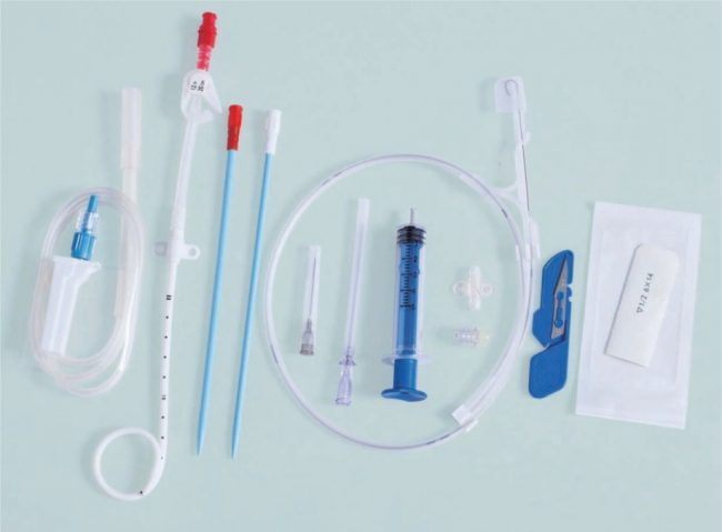 Drainage catheter and its standard kit